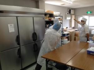 天たつ工場にて保健所野方に定期検査をしていただきました