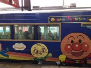 徳島発のアンパンマン列車「ゆうゆうアンパンマン号」