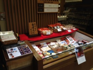 三越日本橋本店味匠庵売り場にて天たつの新物越前仕立て汐雲丹を期間限定でご紹介させていただいております