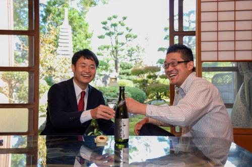 最後は伊藤酒造さんの辛口純米吟醸酒と天たつの汐雲丹で乾杯